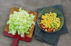 Салат с беконом, авокадо и кукурузой - 2