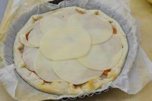 Пирог с ветчиной, помидорами и сыром - 3
