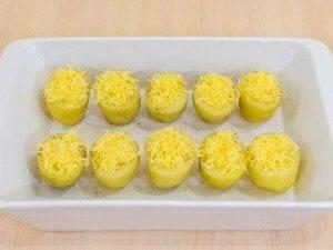 Картофель, запеченный с перепелиными яйцами - 6