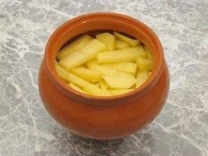 Горшочки с капустой, картофелем и куриным филе - 8