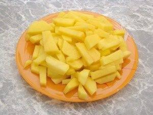 Горшочки с капустой, картофелем и куриным филе - 5