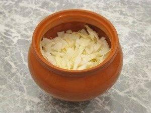 Горшочки с капустой, картофелем и куриным филе - 7