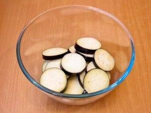 Баклажаны с грецкими орехами - 1