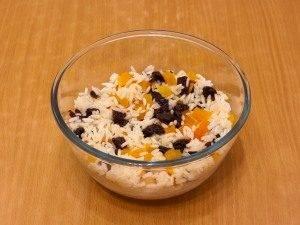 Курица, фаршированная рисом и сухофруктами - 0