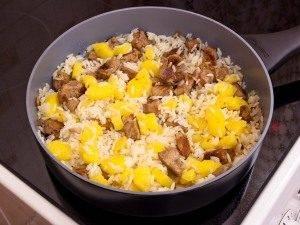 Филе индейки, жаренное с рисом и ананасами - 2