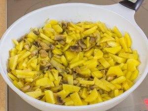 Картофель, жаренный с грибами - 5