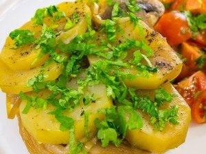 Свинина с грибами и картофелем, запеченная в фольге - 10
