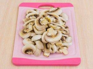 Свинина с грибами и картофелем, запеченная в фольге - 2