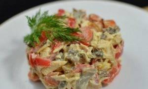 Куриный салат с грибами и овощами - 4