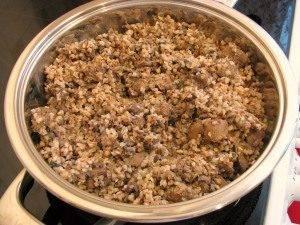 Куриная печень, жаренная с грибами и гречкой - 3