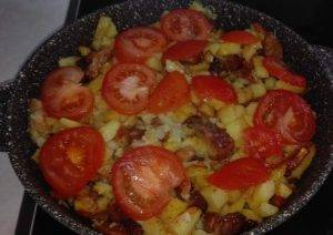 Картофель с мясом на сковороде по-французски - 5
