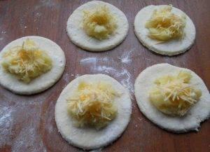 Творожные вареники с начинкой из картофеля и сыра на пару - 5