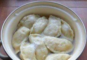Вареники с начинкой из твердого сыра и картофеля - 6