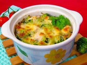 Куриное филе и брокколи, запеченные под сливочным соусом - 5