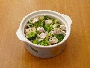 Куриное филе и брокколи, запеченные под сливочным соусом - 3