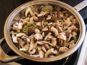 Феттучини с телятиной и грибами под сливочным соусом - 4