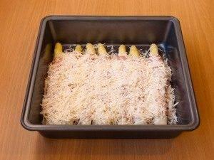 Спаржа, запеченная с беконом и сыром - 5