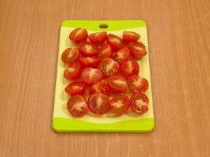 Макароны с беконом, моцареллой и помидорами - 1