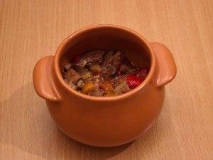 Горшочки с мясом, фасолью и грибами - 2