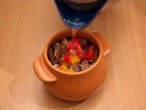 Горшочки с мясом, фасолью и грибами - 5