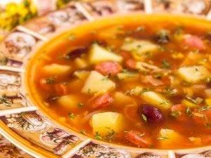 Томатный суп с охотничьими колбасками и фасолью - 3