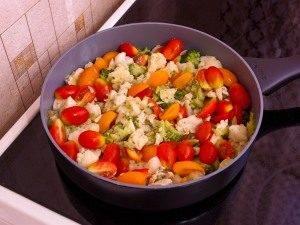 Макароны с брокколи, цветной капустой и куриным филе - 6