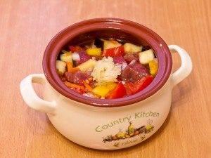 Суп в горшочке с говядиной и овощами - 2