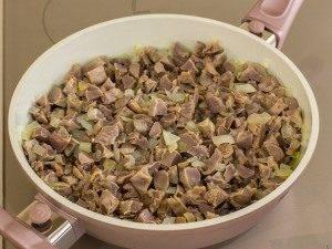 Куриные желудки, тушенные с луком и соевым соусом - 2