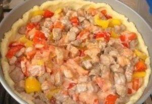 Открытый картофельный пирог с начинкой из мяса и овощей - 8