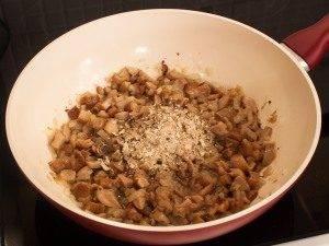 Говядина с грибным соусом, запеченная в рукаве - 1