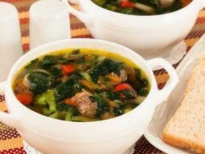 Суп с фрикадельками и шпинатом - 5