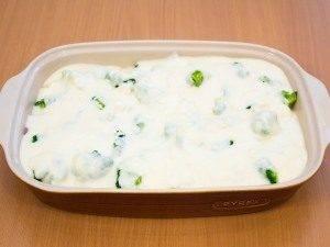 Запеканка с индейкой, брокколи и картофелем под соусом «Бешамель» - 1