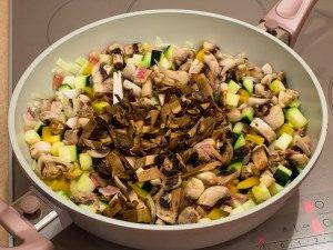 Рагу с овощами и грибами - 3