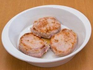 Свинина с помидорами, запеченная в сливках - 2