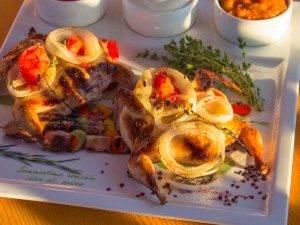 Перепела, маринованные в помидорах и луке - 5