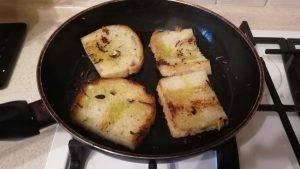 Чесночные гренки на оливковом масле - 4