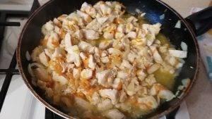 Жареное куриное филе с овощами - 3