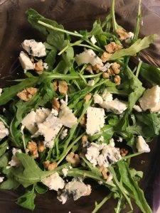 Салат с сыром Блю Чиз, грушей и рукколой - 2