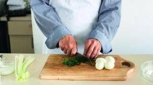 Салат из яиц, сельдерея и укропа - 0
