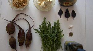 Салат из рукколы и вяленой свеклы - 0