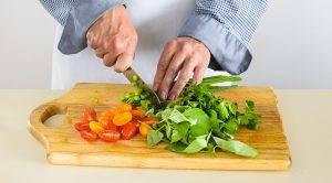 Салат из курицы, зелени и помидоров черри - 0