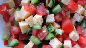 Салат из овощей с сыром - 0