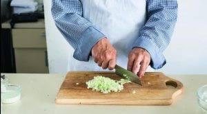 Салат из яиц, сельдерея и укропа - 1