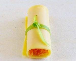 Сырные рулетики с морковью - 6