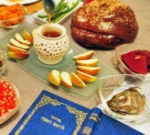 Жареный петух и 12 виноградин: что едят под бой курантов в разных странах - 7