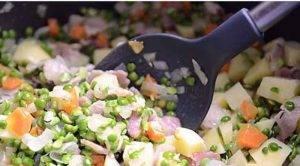 Суп из зеленого гороха с беконом в мультиварке - 1