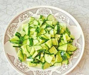 Летний салат по-молдавски - 2