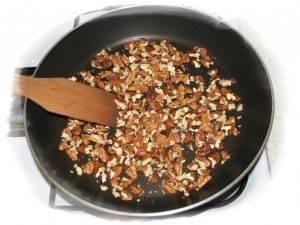 Хлеб с орехами и кориандром в хлебопечке - 0
