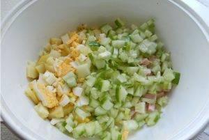 Окрошка на сыворотке с томатами и горошком - 0