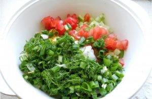 Окрошка на сыворотке с томатами и горошком - 1